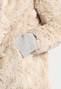 Vero Moda - VMCURL HIGH NECK JACKET NO - Halflange jas - oatmeal - 4