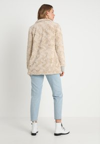 Vero Moda - VMCURL HIGH NECK JACKET NO - Halflange jas - oatmeal - 2