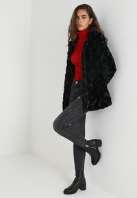 Vero Moda - VMCURL HIGH NECK JACKET NO - Cappotto corto - black - 1