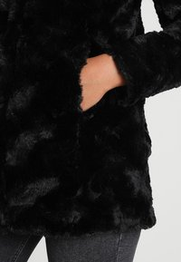 Vero Moda - VMCURL HIGH NECK JACKET NO - Cappotto corto - black - 5