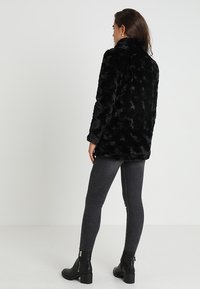 Vero Moda - VMCURL HIGH NECK JACKET NO - Cappotto corto - black - 2