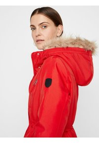 Vero Moda - VMTRACK EXPEDITION - Veste d'hiver - chinese red - 4