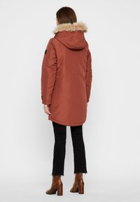Vero Moda - VMTRACK EXPEDITION - Veste d'hiver - brown - 2