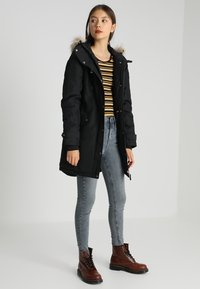 Vero Moda - VMTRACK EXPEDITION - Veste d'hiver - black - 1