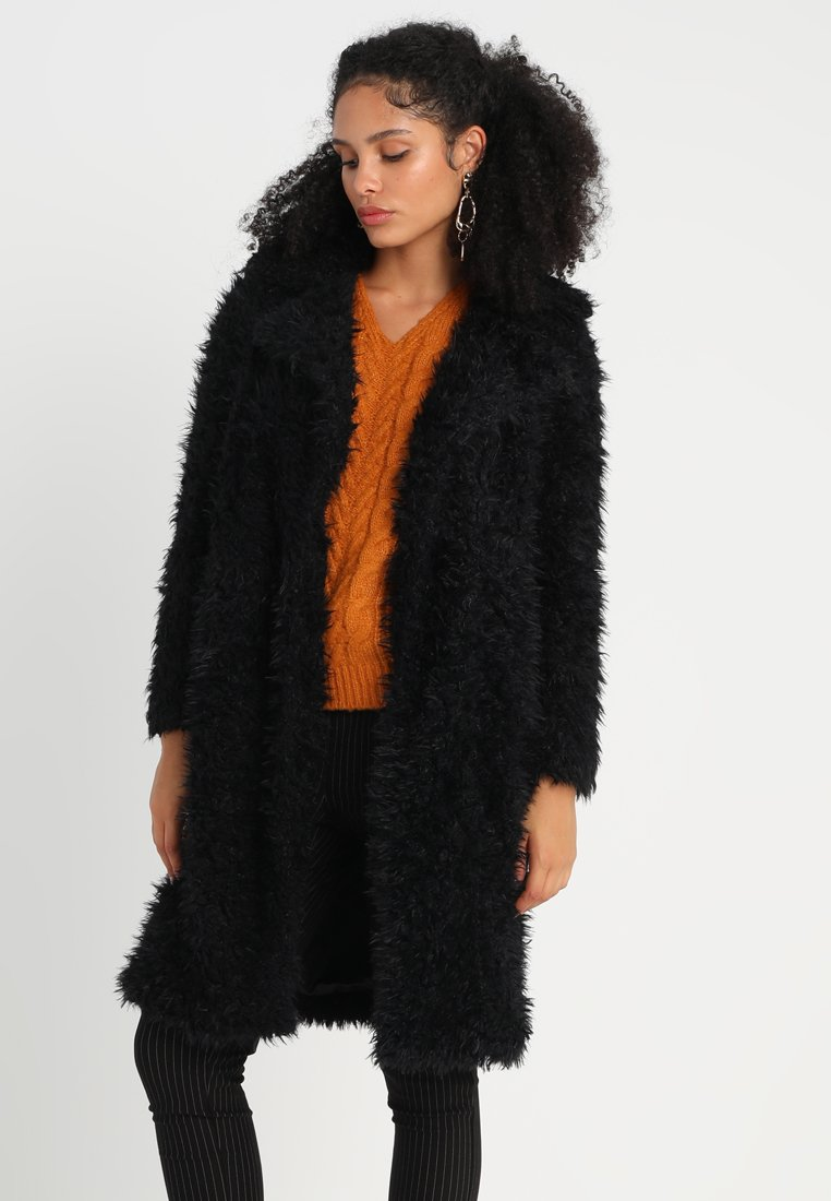 Vero Moda - VMTAMAR JAYLA LONG  - Winter coat - black
