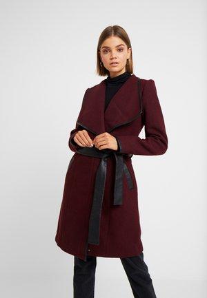 VMWATERFALL CLASS - Zimní kabát - port royale/black
