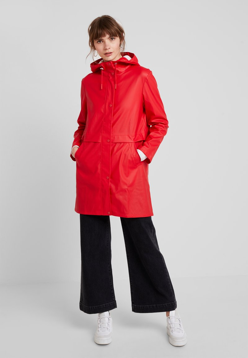 Vero Moda - VMFRIDAY NEW COATED JACKET - Parka - chinese red