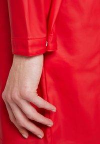 Vero Moda - VMFRIDAY NEW COATED JACKET - Parka - chinese red - 5