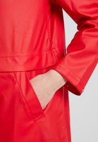 Vero Moda - VMFRIDAY NEW COATED JACKET - Parka - chinese red - 7