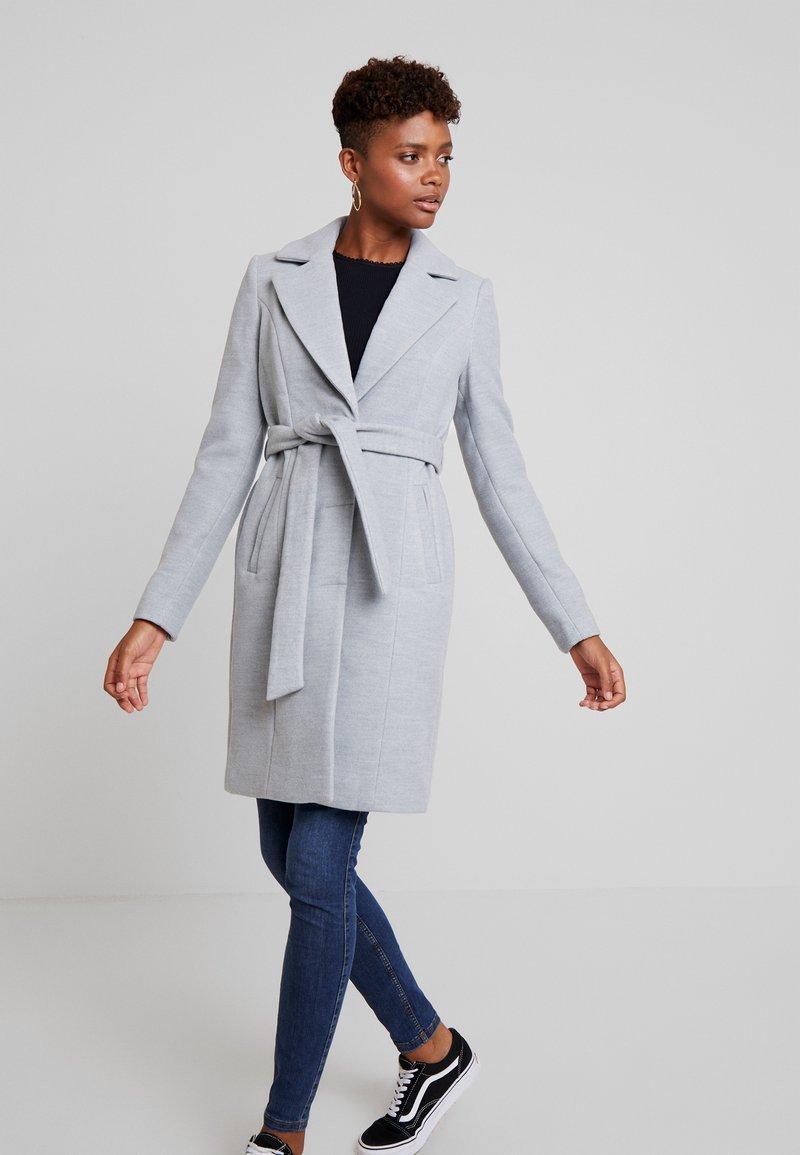 Vero Moda - VMCALALYON - Halflange jas - light grey melange
