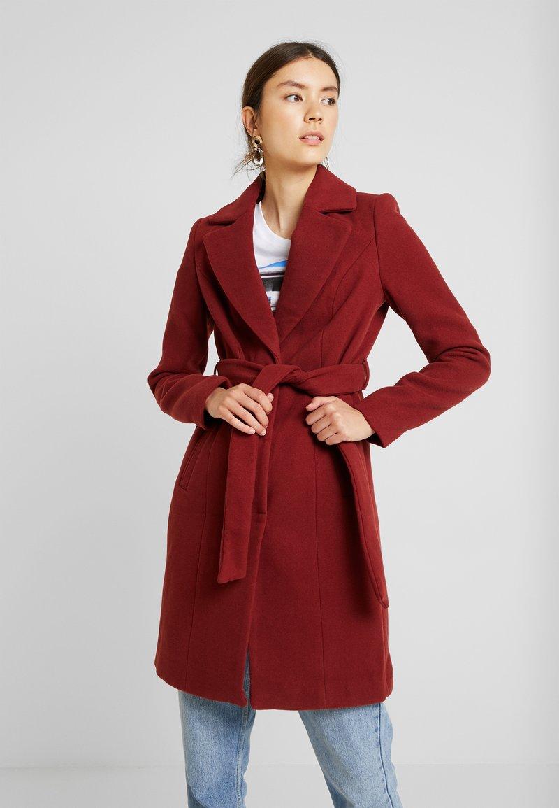 Vero Moda - VMCALALYON - Korte frakker - madder brown