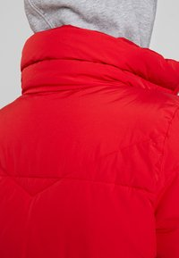 Vero Moda - VMNEWYORK JACKET SOLID - Zimní bunda - chinese red - 3
