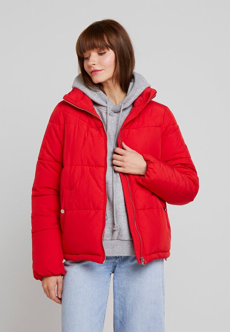 Vero Moda - VMNEWYORK JACKET SOLID - Zimní bunda - chinese red