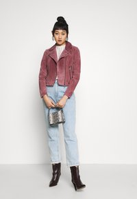 Vero Moda - VMROYCESALON JACKET - Leren jas - old rose - 1