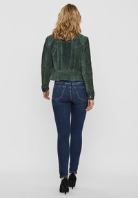Vero Moda - VMROYCESALON JACKET - Leren jas - laurel wreath - 2