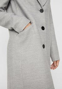 Vero Moda - VMCALA CINDY - Kort kappa / rock - light grey melange - 4