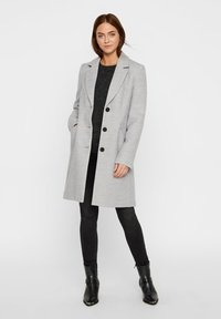 Vero Moda - VMCALA CINDY - Kort kappa / rock - light grey melange - 1