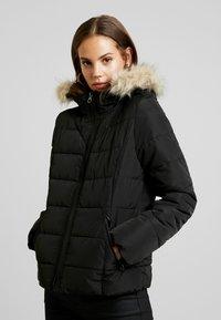 Vero Moda - VMMOLLIE SHORT JACKET - Light jacket - black/gun metal trim - 0