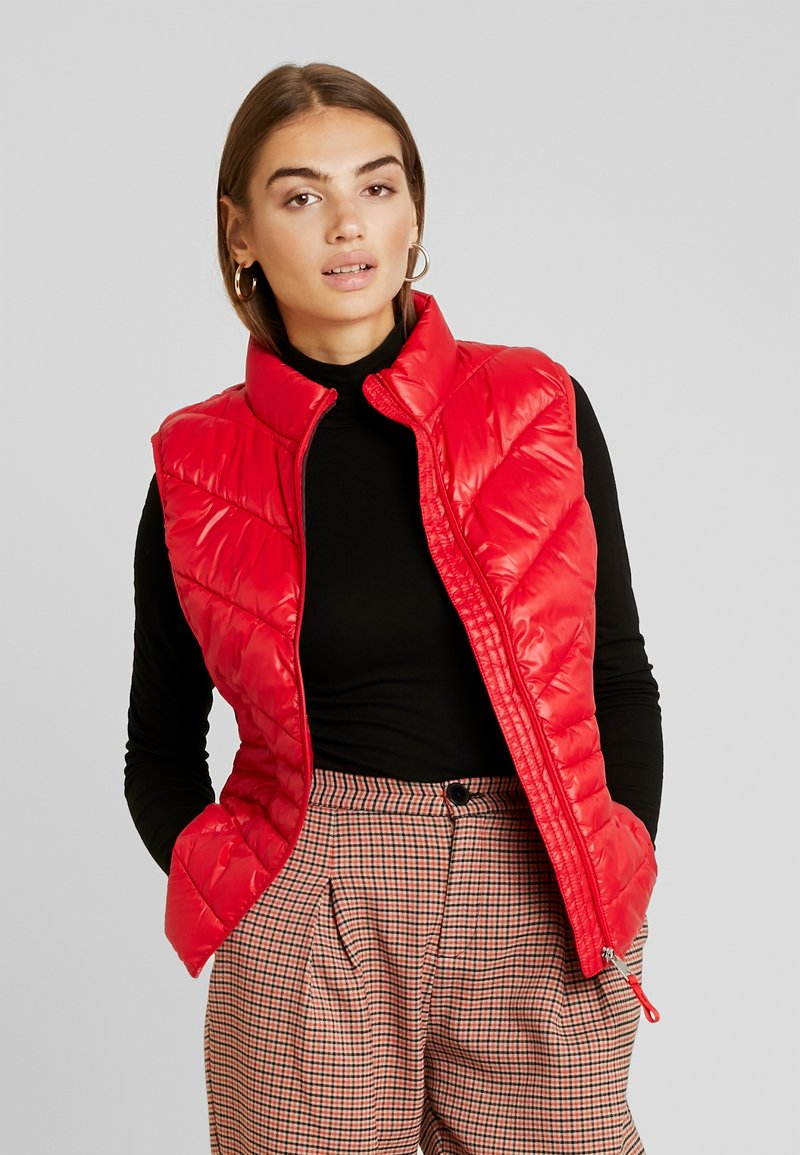 Vero Moda - VMSORAYA SHORT WAISTCOAT - Waistcoat - chinese red