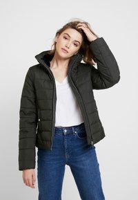 Vero Moda - VMCLARISSA SHORT JACKET - Light jacket - peat - 0