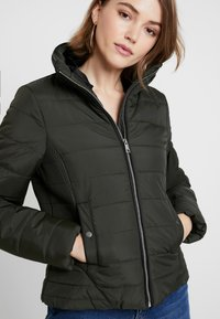 Vero Moda - VMCLARISSA SHORT JACKET - Light jacket - peat - 3
