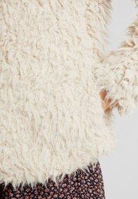 Vero Moda - VMJAYLAMEG JACKET - Chaqueta de invierno - oatmeal - 5