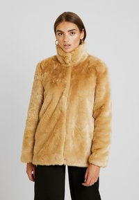 Vero Moda - VMMINK  JACKET - Winter jacket - birch - 0
