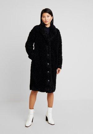 VMSOPHIA  - Zimní kabát - black