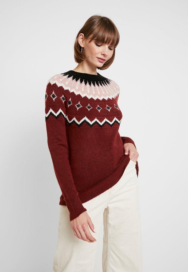 Vero Moda - VMTITI O NECK - Jersey de punto - madder brown/black/pristine/mist