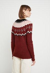 Vero Moda - VMTITI O NECK - Jersey de punto - madder brown/black/pristine/mist - 2