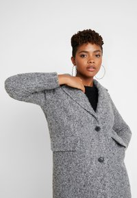 Vero Moda - VMCOZYDIANA JACKET - Classic coat - medium grey melange - 4