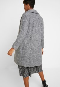Vero Moda - VMCOZYDIANA JACKET - Classic coat - medium grey melange - 2