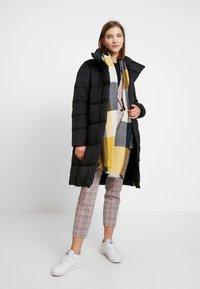 Vero Moda - VMPUFFY - Zimní kabát - black - 1