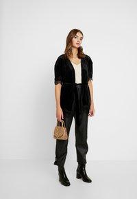 Vero Moda - Zimní bunda - black - 1