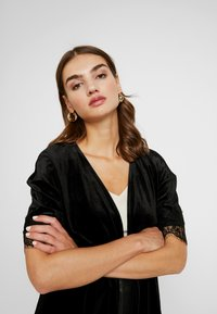 Vero Moda - Zimní bunda - black - 3