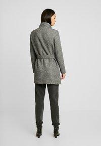 Vero Moda - VMJULIAVERODONA HIGHNECK - Short coat - dark grey melange - 2