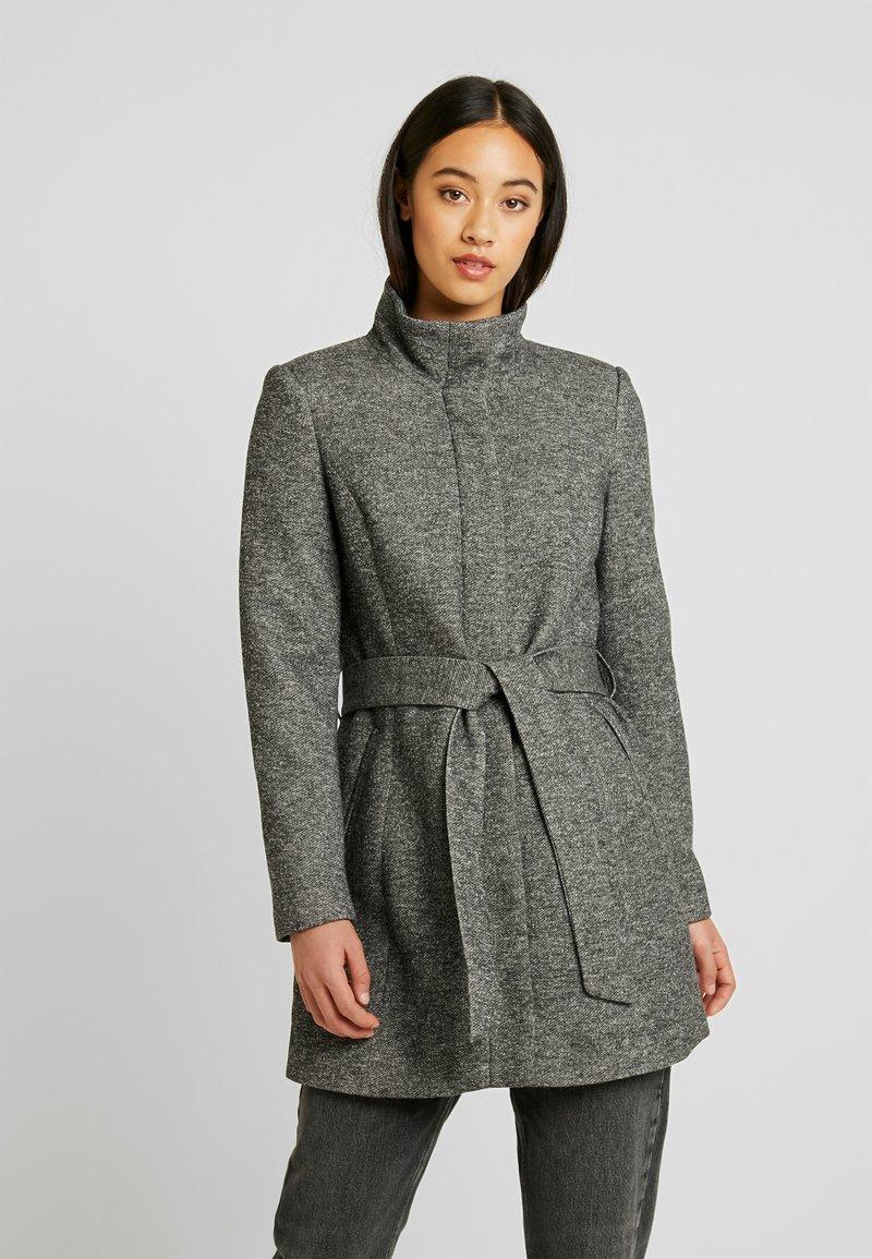 Vero Moda - VMJULIAVERODONA HIGHNECK - Krótki płaszcz - dark grey melange