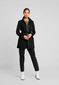 Vero Moda - VMJULIAVERODONA HIGHNECK - Halflange jas - black - 1