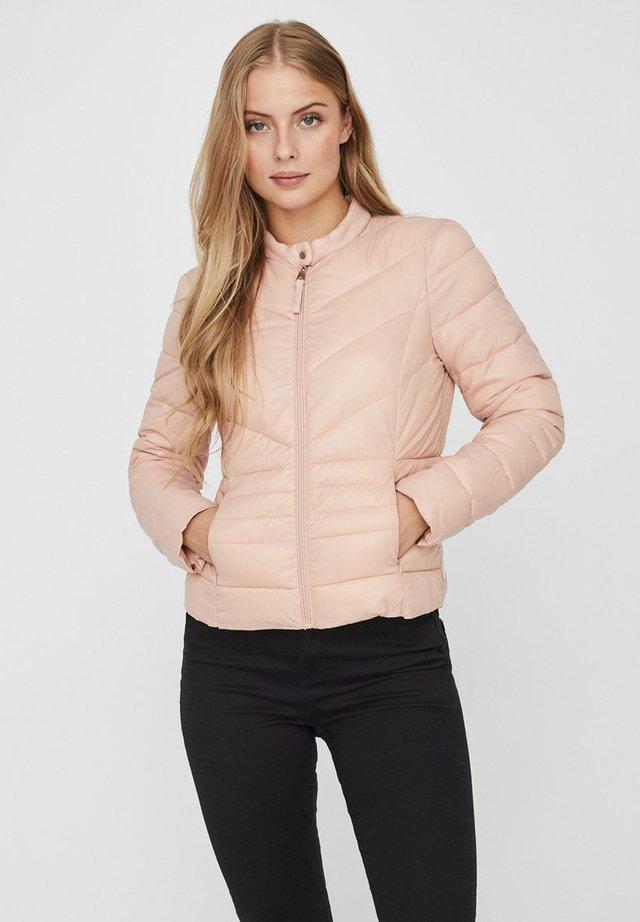 GESTEPPTE - Winter jacket - mahogany rose