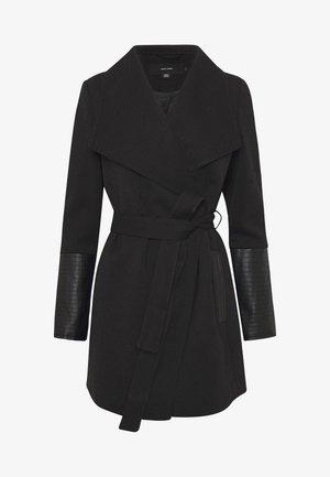 VMDALLASCALA - Halflange jas - black