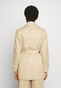 Vero Moda - VMGLORIELLA JACKET  - Trench - travertine - 4