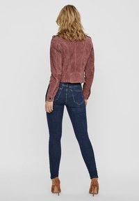 Vero Moda - Veste en cuir - rose - 2