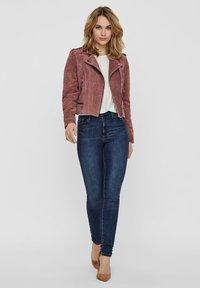 Vero Moda - Veste en cuir - rose - 1
