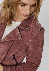 Vero Moda - Veste en cuir - rose - 3
