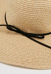 Vero Moda - VMVENES HAT - Kapelusz - oatmeal - 5