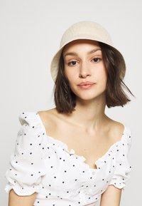 Vero Moda - VMSIA BUCKET HAT - Hatt - birch - 1