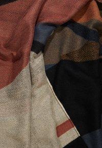 Vero Moda - Sjaal - mahogany - 2