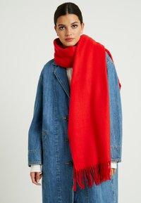 Vero Moda - Szal - chinese red - 0