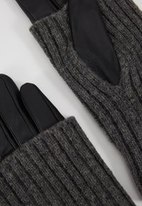 Vero Moda - VMMIE GLOVES - Gloves - black - 4