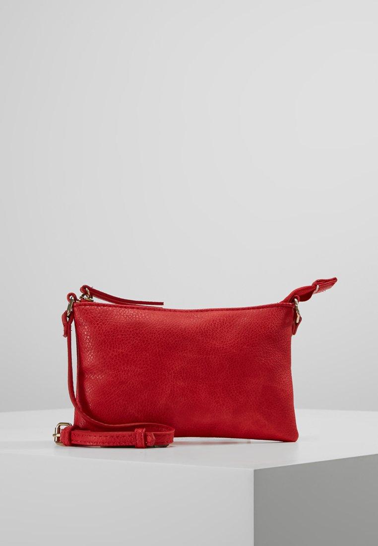 Vero Moda - VMNOLA CROSS OVER BAG - Across body bag - fiery red